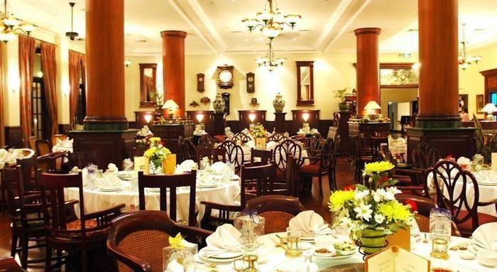 Hotel Majapahit Surabaya - Resto1