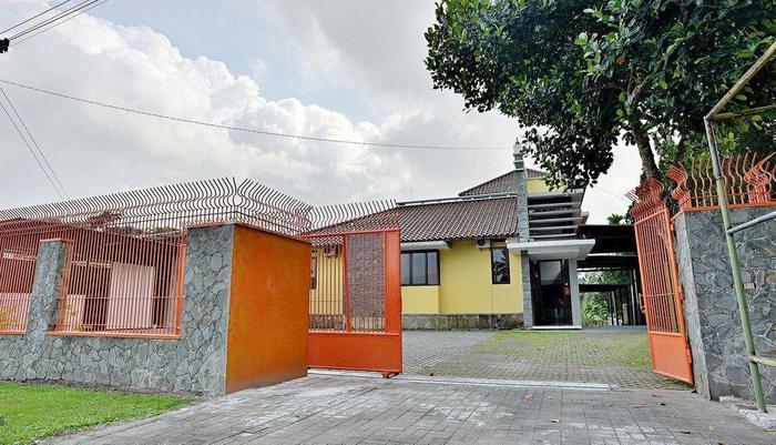 ZenRooms Km 20 Kaliurang Yogyakarta - Tampak luar