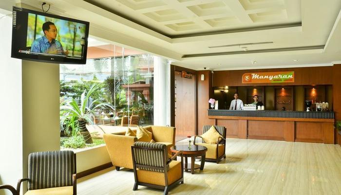 Semesta Hotel Semarang - Resepsionis