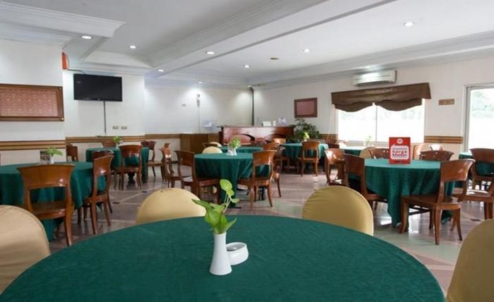 NIDA Rooms Cempaka Senen Market - Restoran