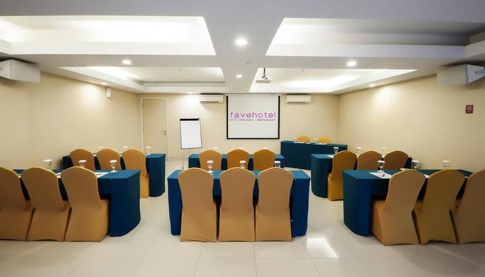 Fave Hotel Balikpapan - Meeting Room