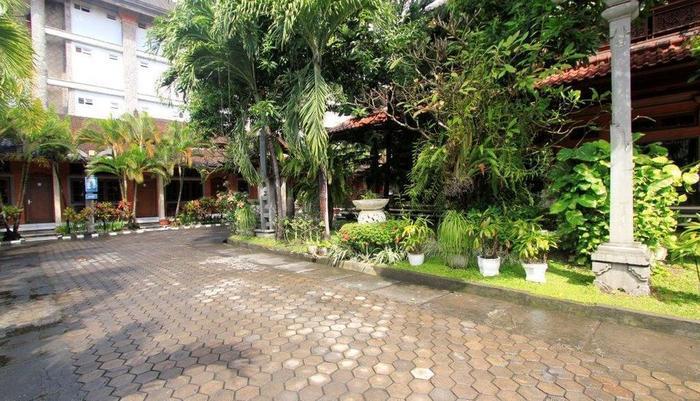 Hotel Ratu Bali - Parking 3