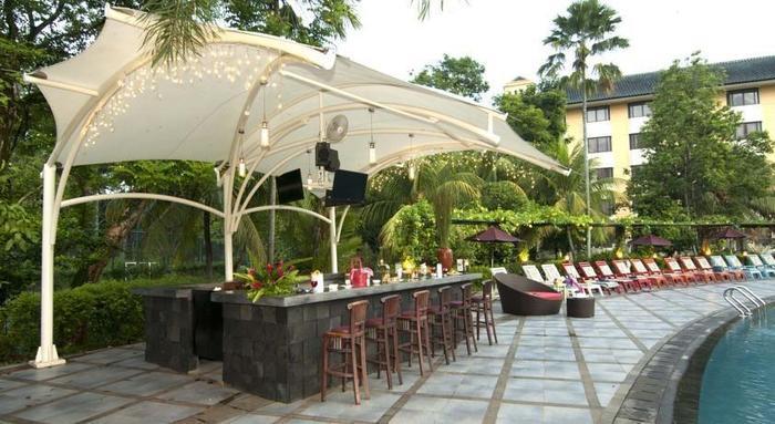 Kota Bukit Indah Plaza Hotel Purwakarta - Pool Bar