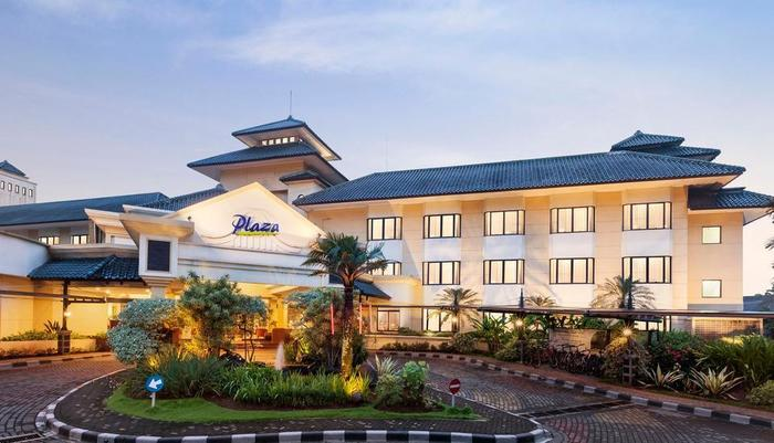 Kota Bukit Indah Plaza Hotel Purwakarta - Pintu Masuk