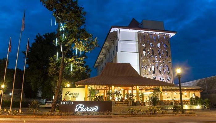 Burza Hotel  Yogyakarta - Hotel Tampak Depan