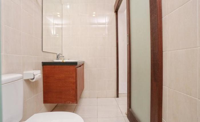 RedDoorz @ Pendawa Kartika Plaza Bali - Kamar mandi