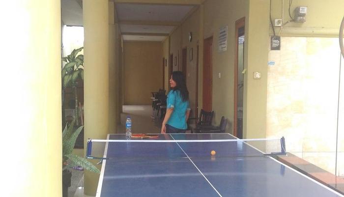 D'Cemara Guest House Jambi - Area bermain pingpong