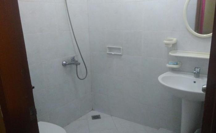 D'Cemara Guest House Jambi - Bathroom
