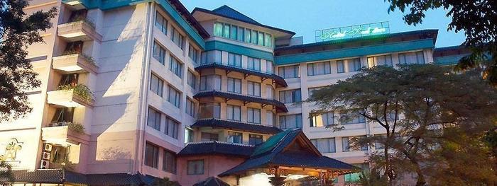 Kedaton Hotel Bandung - Hotel Building