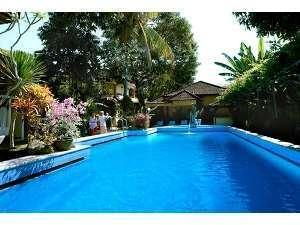 Diwangkara Holiday Villa Beach Resort Bali - Kolam Renang