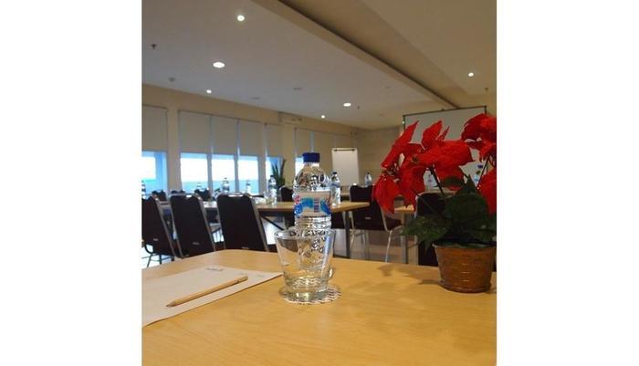 Euphoria Hotel  Bali  - Meeting Room