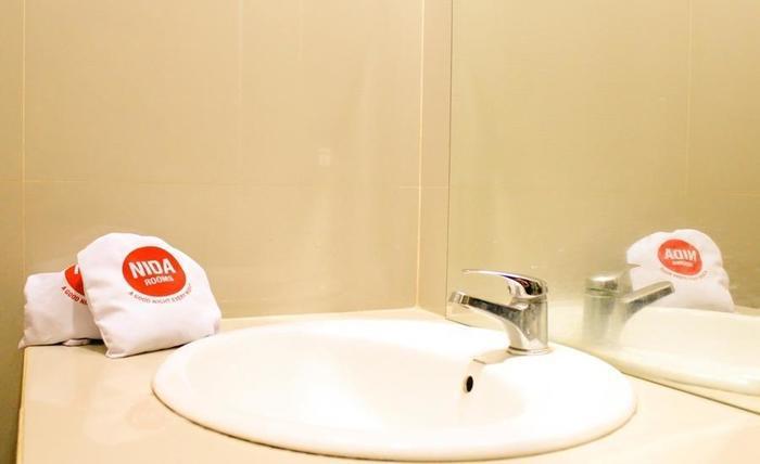 NIDA Rooms South Alun-Alun Kraton 5 Jogja - Kamar mandi