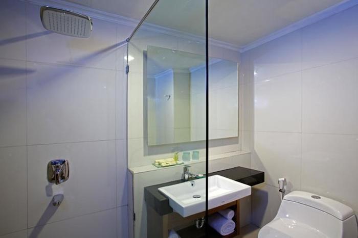 Hotel Santika Depok - Kamar Mandi