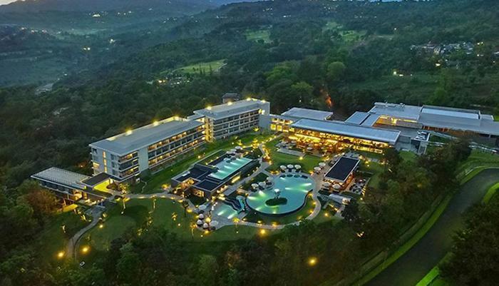 Royal Tulip Gunung Geulis Bogor - Royal Tulip Gunung Geulis Resort & Golf - Bogor