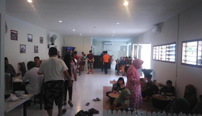 De Ritz Hotel Surabaya - Kamar makan