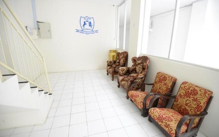 De Ritz Hotel Surabaya - lobi