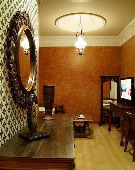 Amos Cozy Hotel Melawai - Room