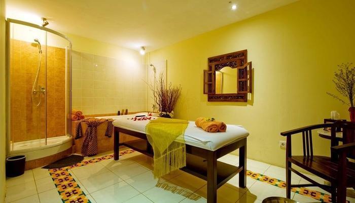 Amos Cozy Hotel Melawai - Cozy Spa