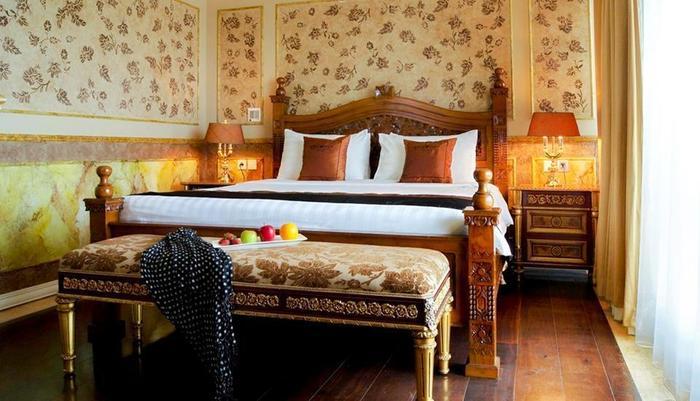 Amos Cozy Hotel Melawai - Diamond Suite Paris Van Java