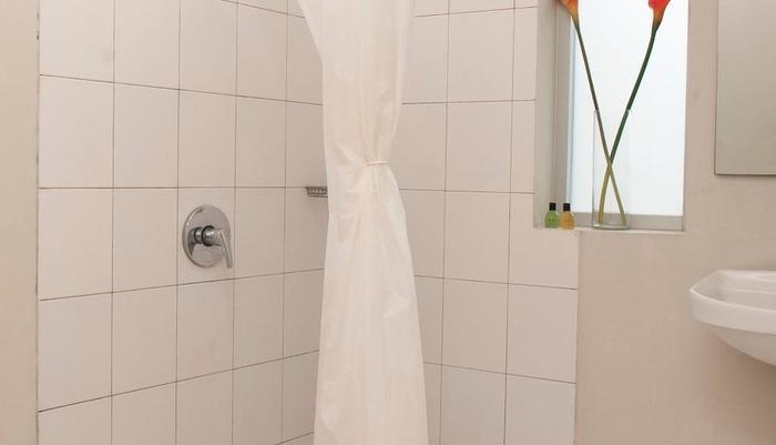 LeGreen Suite Penjernihan - Kamar mandi