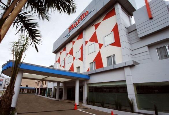 Hotel Marlin Pekalongan - Tampilan Luar Hotel