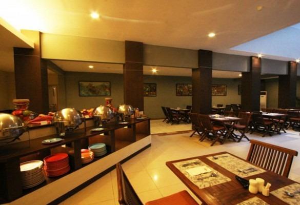 Hotel Marlin Pekalongan - Ruang makan