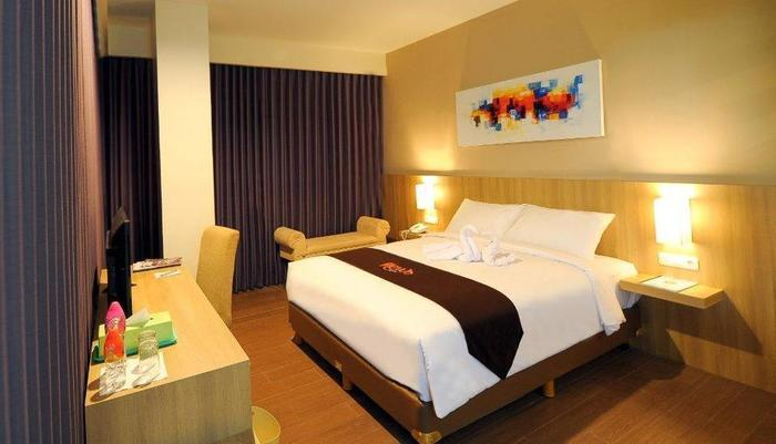 News Hotel Surabaya - Kamar Executive