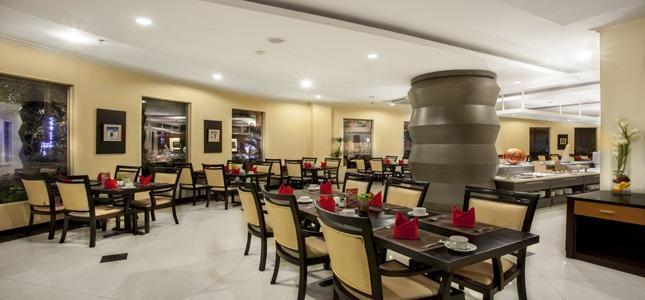 The Sun Hotel Surabaya - Restaurant