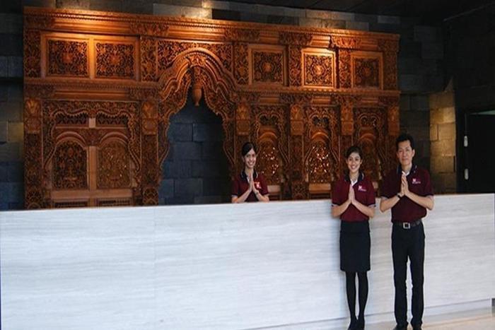 Merapi Merbabu Hotel Bekasi - Resepsionis
