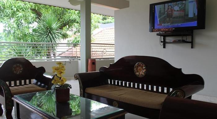 Crown Hotel Lombok - Interior