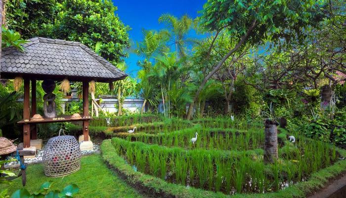 Kuta Seaview Hotel Bali - Garden