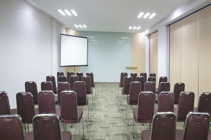 Zest Hotel Bogor - Ruang Rapat