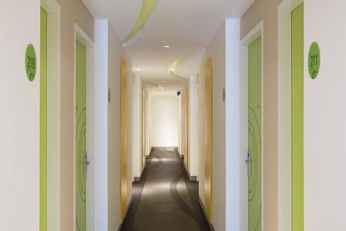 Zest Hotel Bogor - Koridor