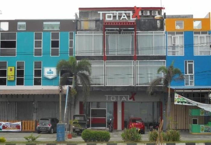 Total X Inn Palu - Eksterior