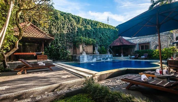 Sahadewa Resort & Spa Bali - Pemandangan Kolam Renang