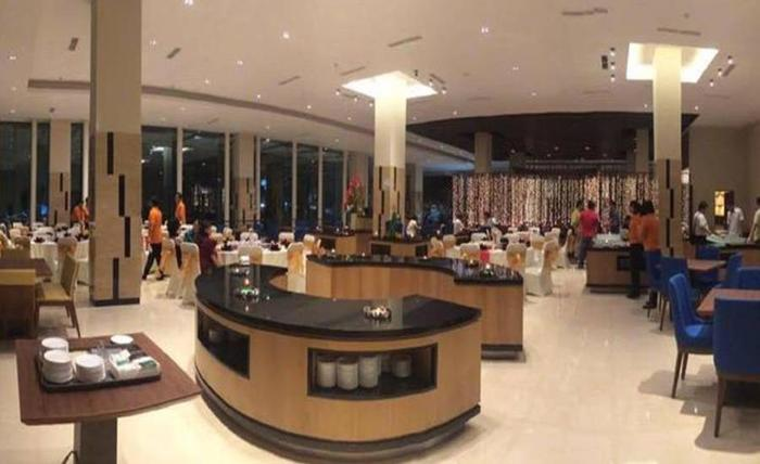 The Luxton Cirebon Hotel And Convention Cirebon - Ruang makan