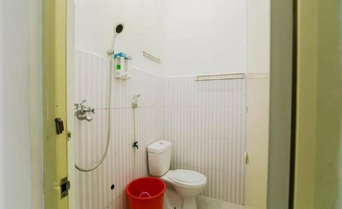 Salina Guest House Syariah Surabaya - Kamar mandi