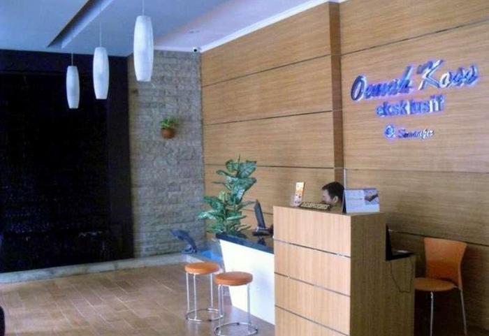 Oemah Koss Guest House Surabaya - Resepsionis