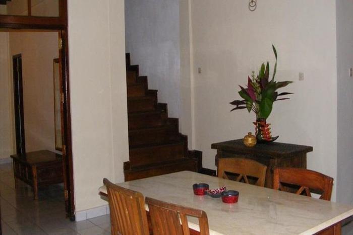 Jalan Jalan Villa and Spa Bali - Ruang makan