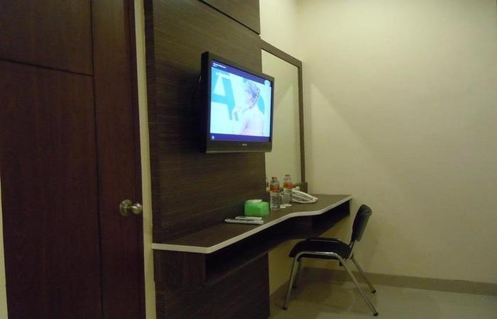 Grand Pacifik Hotel Makassar - TV