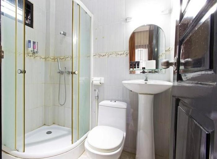RedDoorz @Gandaria Utara 2 Jakarta - Kamar mandi