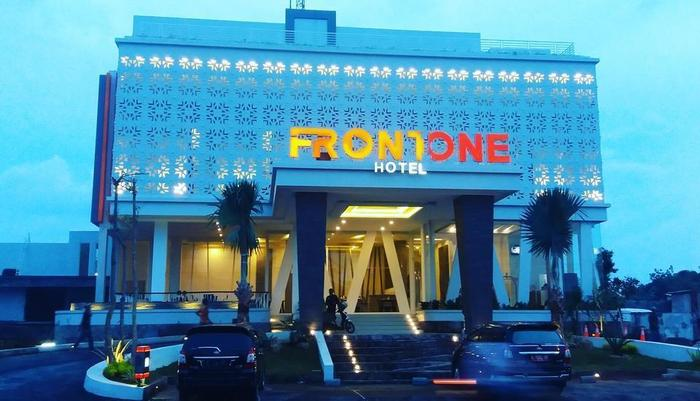 Front One Hotel Pamekasan Madura Madura - Bangunan