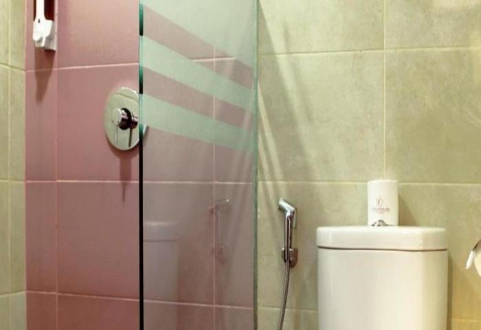 Fame Hotel Serpong - Bathroom