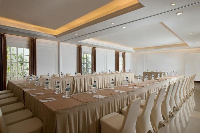 Hotel Santika Seminyak - meeting room