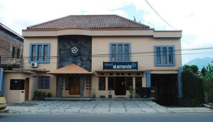 Hotel Alamanda Garut Garut - Hotel Building