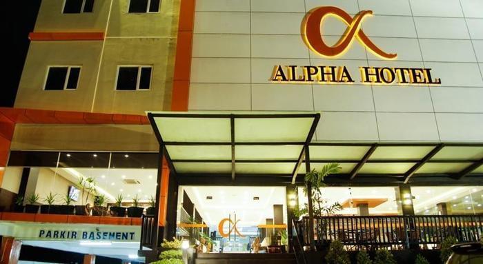 Alpha Hotel Pekanbaru - Tampilan Luar Hotel