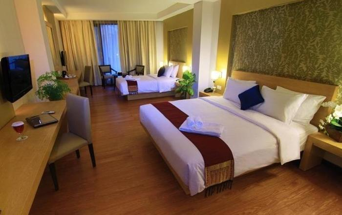 The Axana Hotel Padang - Family Room