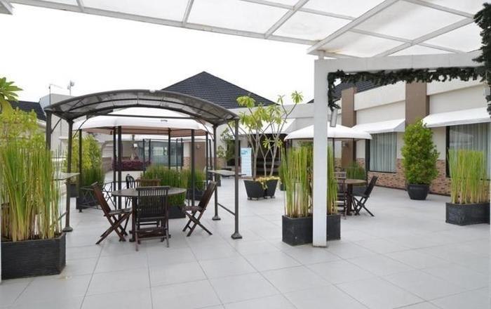 The Axana Hotel Padang - rooftop2
