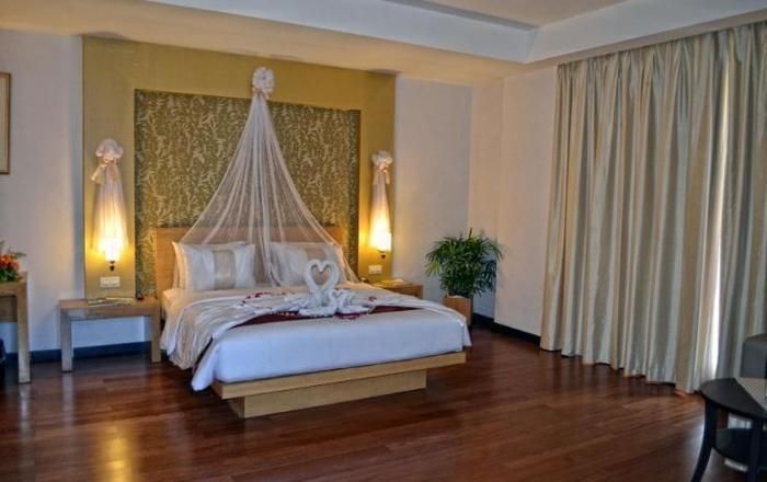 The Axana Hotel Padang - room