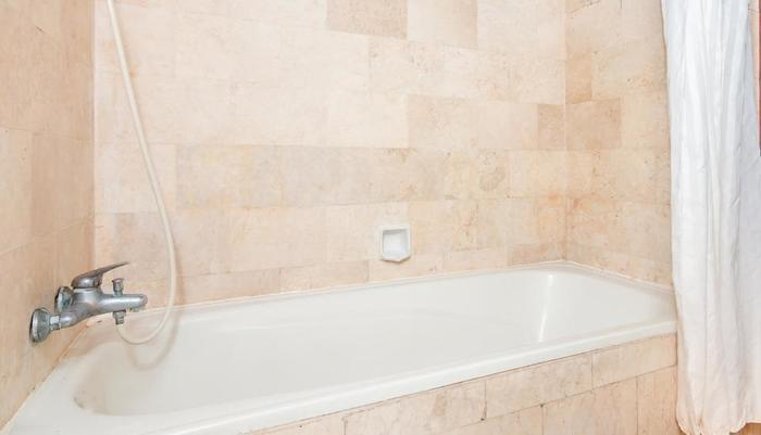 ZenRooms Kuta Dewi Sartika - Kamar mandi